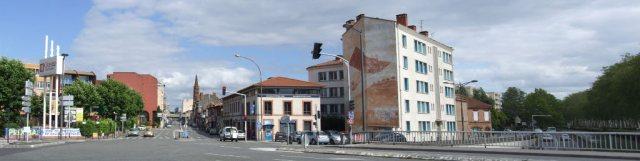 entrée de l'avenue Saint Exupéry depuis le Pont des Demoiselles